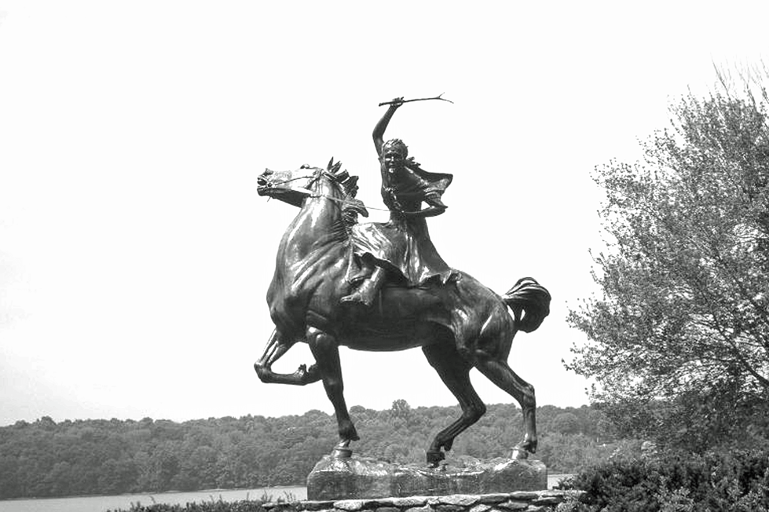 Sybil Ludington riding horse, Revolutionary War hero